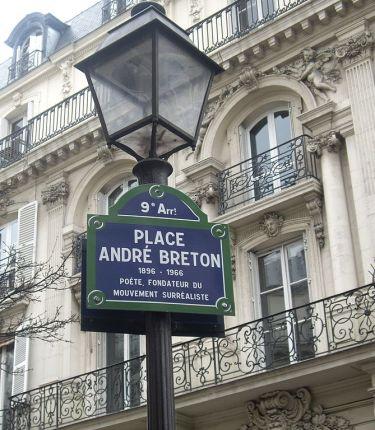 669px-Place_André-Breton,_Paris_9