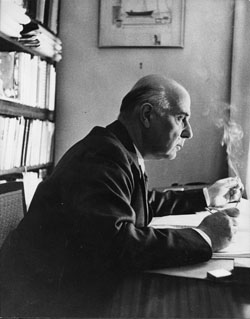 Seferis_at_desk_1957_F105