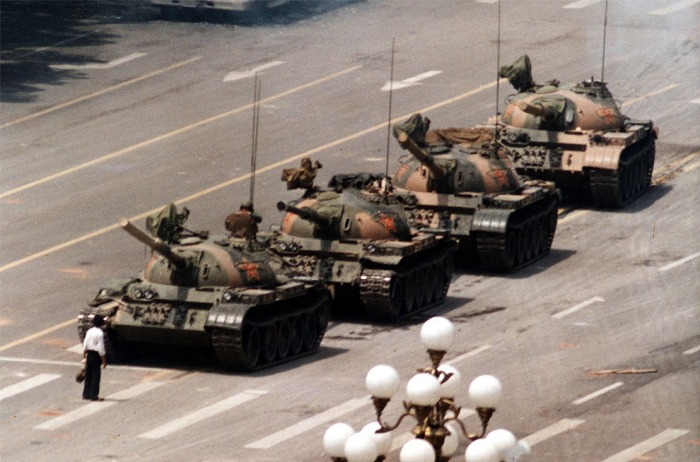 history_tanks_tiananmen_square_desktop_990x654_wallpaper-356075